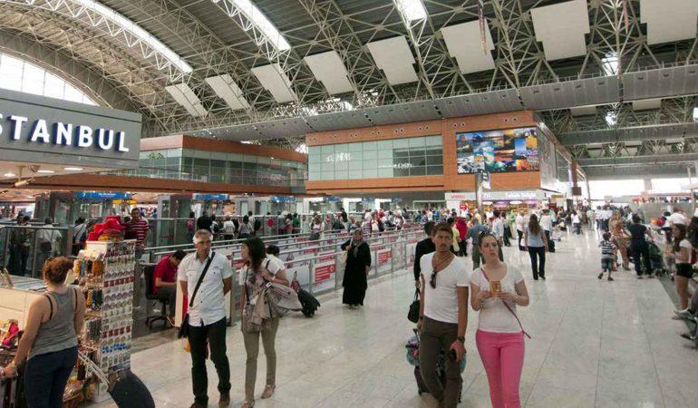 LES ADVENTISTES PRIENT POUR LES PERSONNES AFFECTÉES PAR L'ATTENTAT À L'AÉROPORT D'ISTANBUL