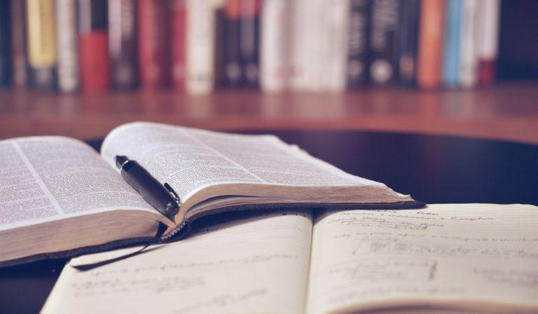 RENSEIGNEMENTS SUR LE TRAVAIL EN COULISSES DES AFFAIRES PUBLIQUES ET DE LA LIBERTE RELIGIEUSE