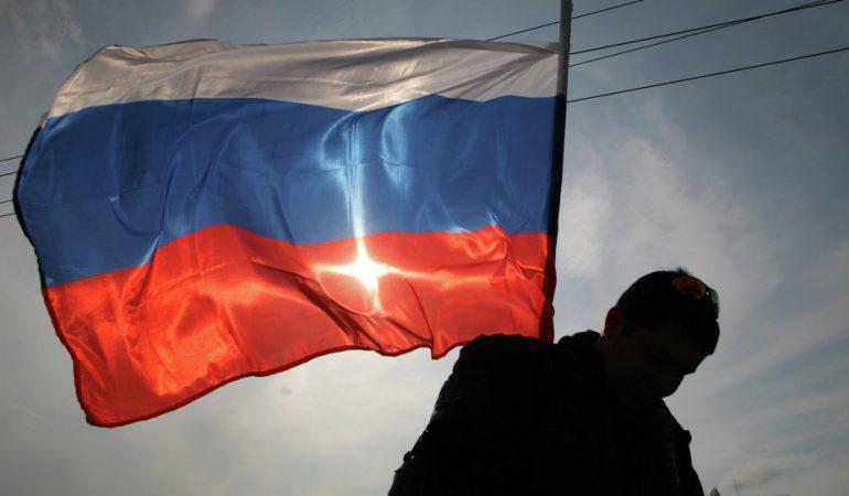 CRITIQUE CONTRE LA LOI ANTI-MISSIONNAIRE EN RUSSIE