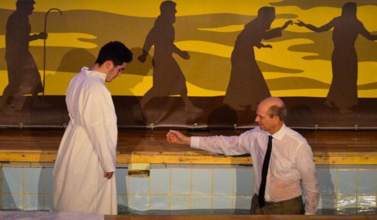 PLUS DE 2 600 PERSONNES SE PRÉPARENT À ÊTRE BAPTISÉES EN ROUMANIE