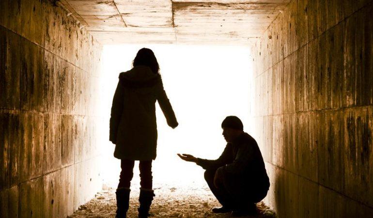 VITAL CONNECTION: TOUCHER LES NECESSITEUX, LES NON-CHRETIENS ET LES ADOLESCENTS
