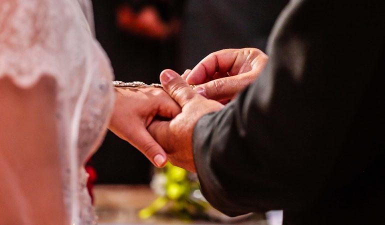 LE MARIAGE : UNE RESPONSABILITÉ DE L'ÉGLISE