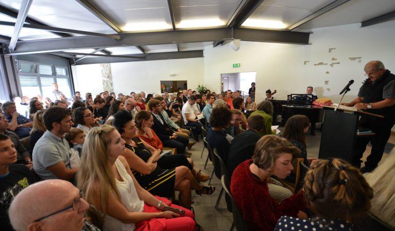 SION : UN ÉCHANTILLONNAGE DU MONDE ENTIER POURACCOMPAGNER TROIS BAPTISÉS