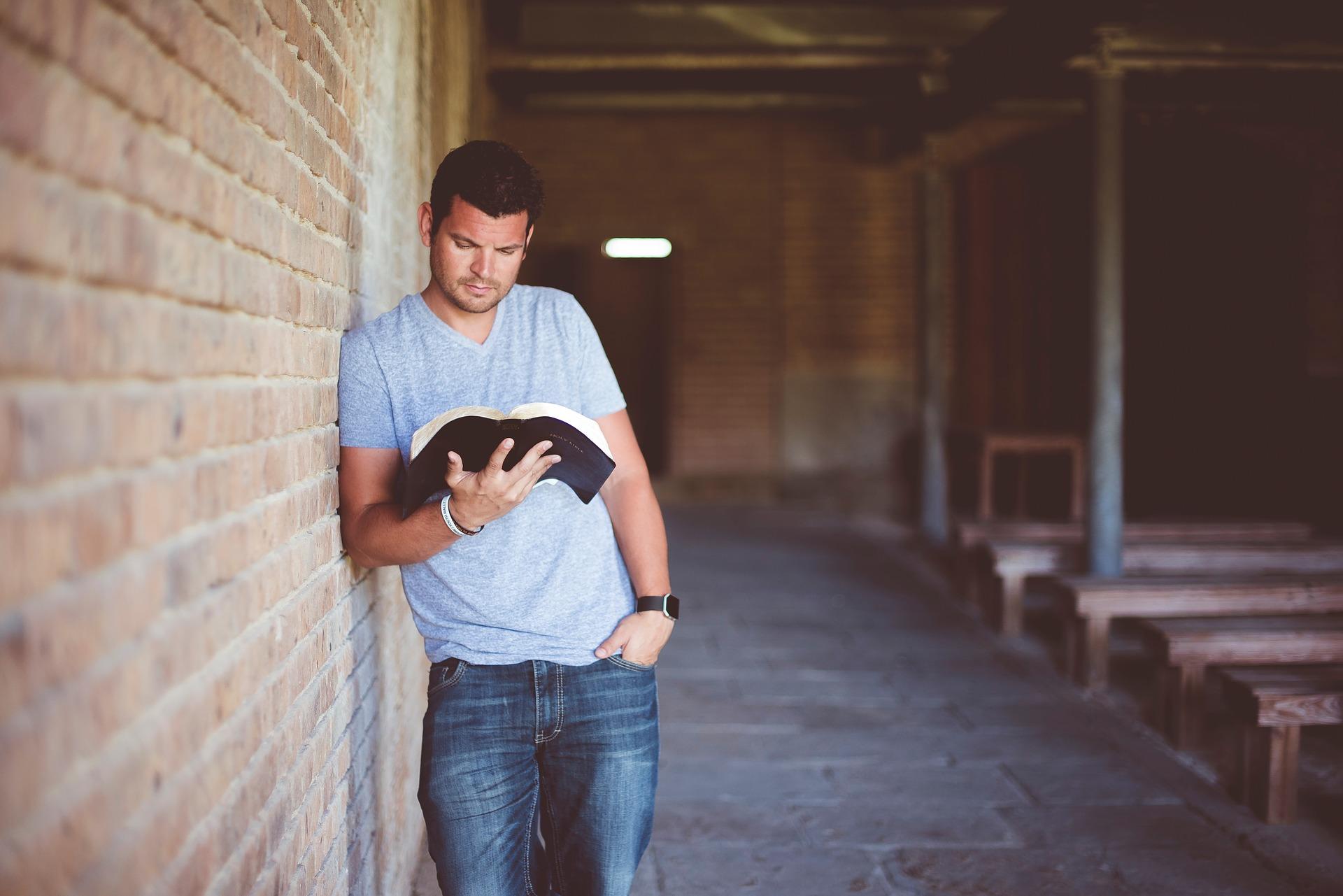 LES AMÉRICAINS CROIENT EN DIEU, MAIS SEULEMENT 56% AU DIEU DE LA BIBLE