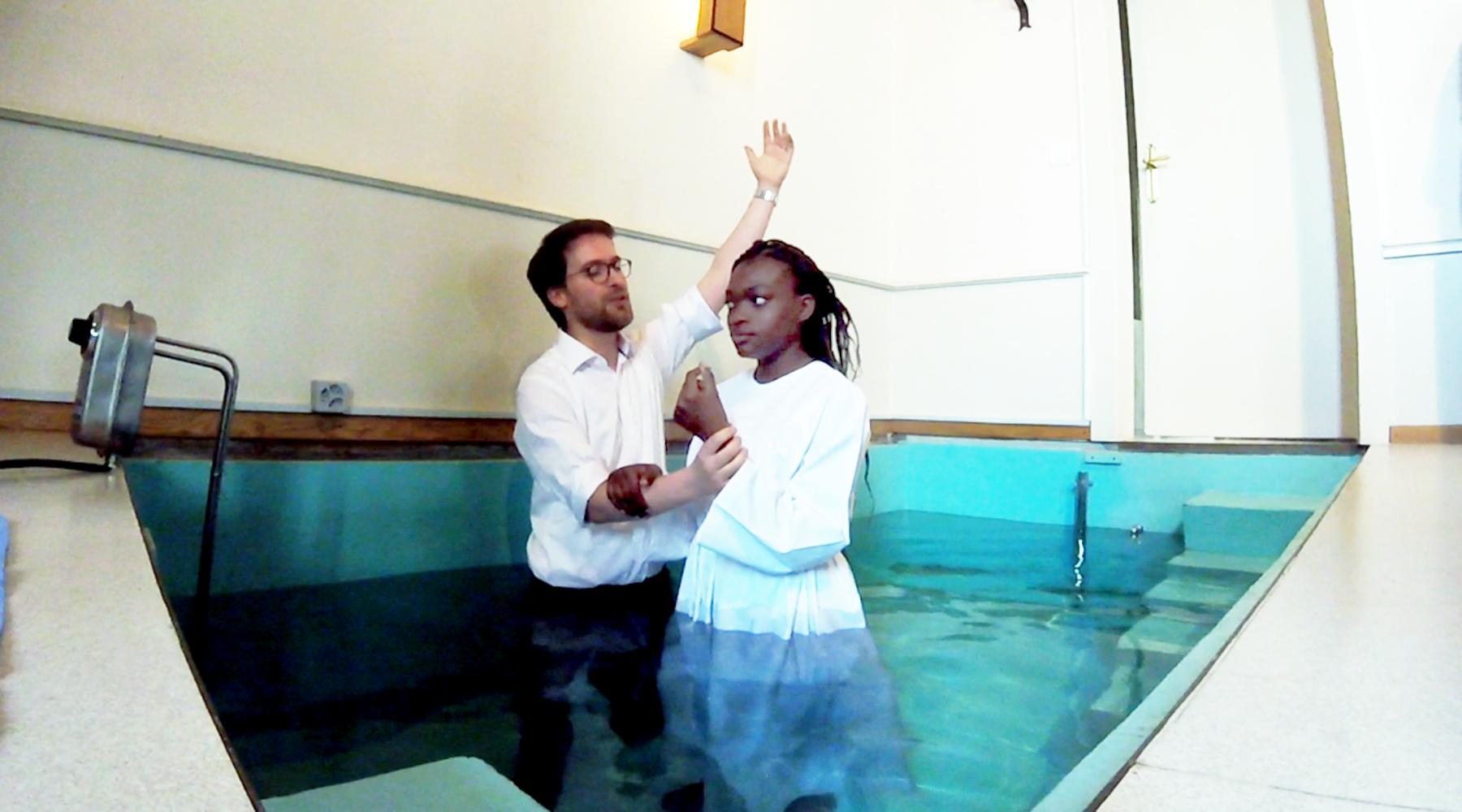 UNE NOUVELLE CRÉATURE – BAPTÊME DE VANESSA À RENENS